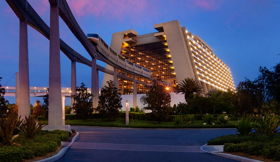 walt-disney-world-disneys-contemporary-resort-death-suicide-monorail-jump-building